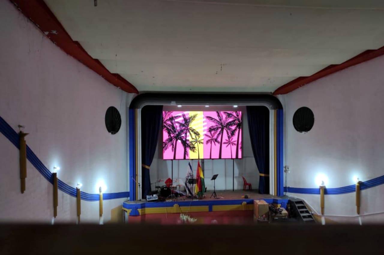 La Paz, . Pantalla Indoor 5x3 P5