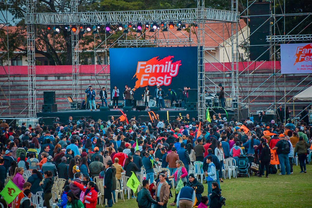 Nexos presente en el festival más importante de la familia boliviana.