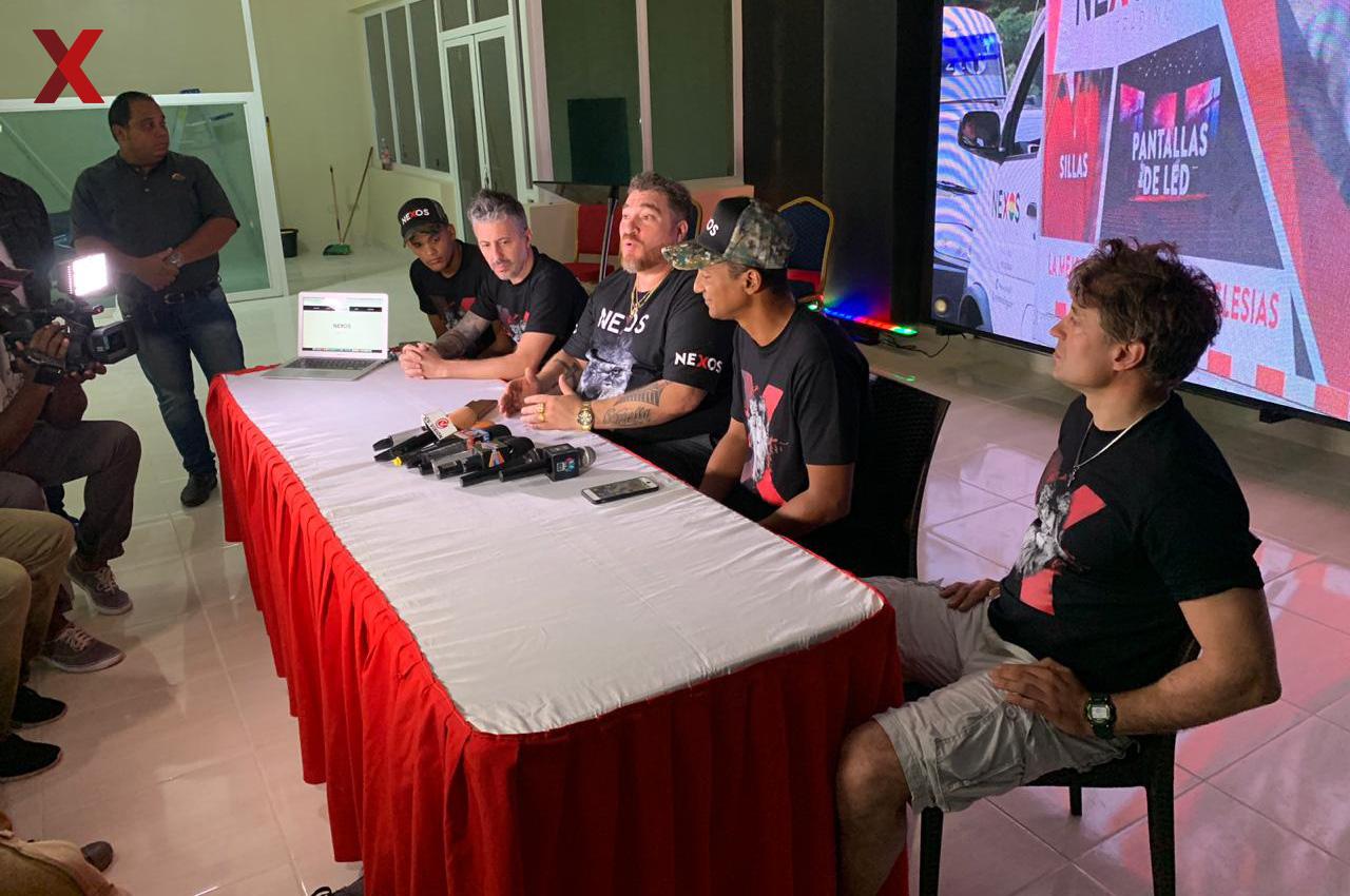 Conferencia de prensa presentando Nexos en República Dominicana.